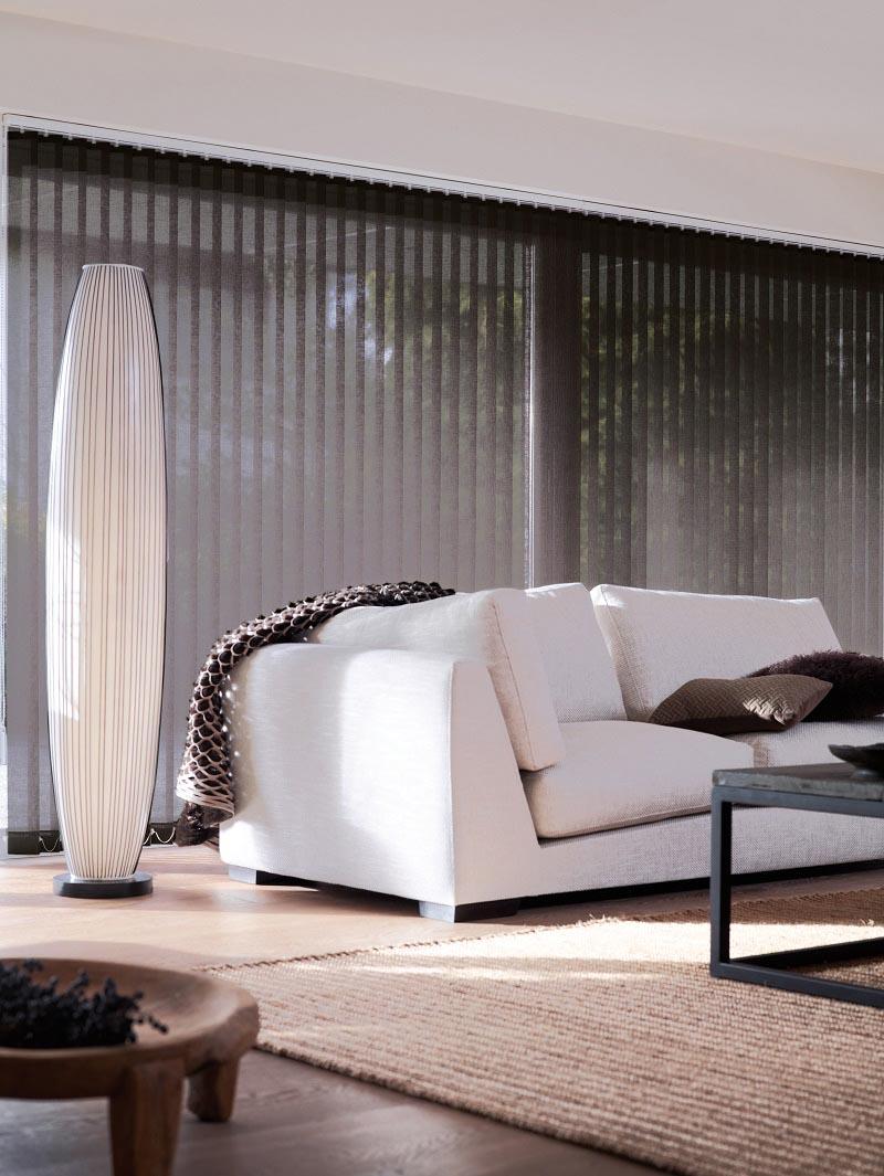 Lange elegante striper gjør lamellgardinene til et interiør objekt.