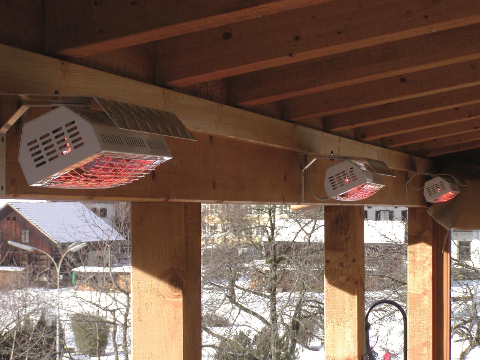 Med Smart IP 24 får du øyeblikkelig varme på terrassen. Se vårt utvalg av varmelamper her, og finn den som passer deg best.