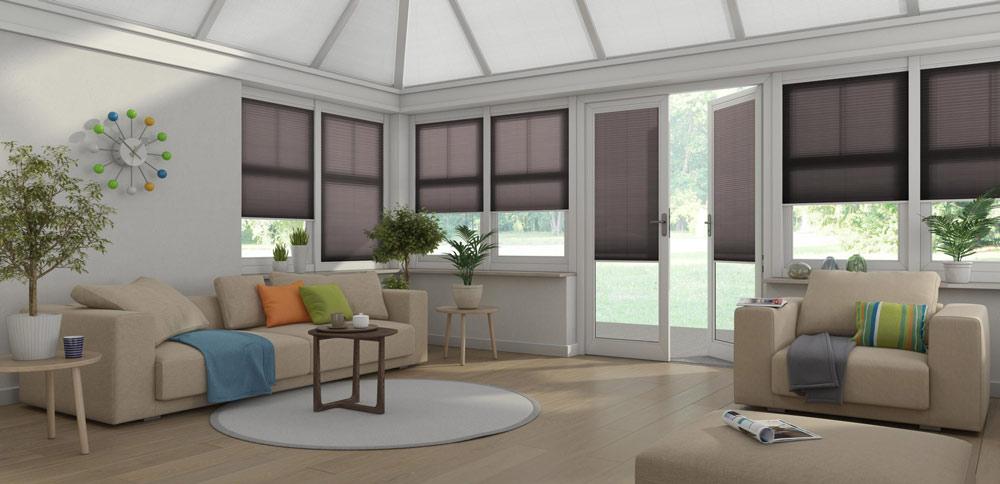 Med Kjells markiser sitt designverktøy kan du enkelt designe ditt egent hjem, og teste stoffprøver med fargevalgene dine med en av våre konsulenter.